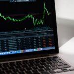 Aktien perfekt analysiern – welche Faktoren helfen bei der Unternehmensbewertung?