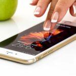 Recht im Alltag: Darf die Schule das Handy wegnehmen?